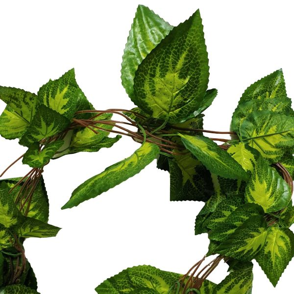 artificial_ivy_garland_close_up_of_leaves_clipped_rev_1.jpg