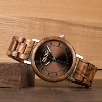 cirque-walnut-watch-4_g3jj8hxspk97so4r.jpg
